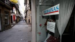 Comercios de Viveiro y alrededores se solidarizaron y cerraron antes de la hora de salida de la manifestación FOTÓGRAFO: PEPA LOSADA