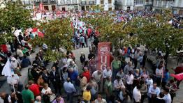 La manifestación desembocó en la plaza Mayor viveirense FOTÓGRAFO: PEPA LOSADA