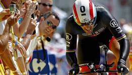 Fabian Cancellara llega a la meta de Besan�on. FOT�GRAFO: STEPHANE MAHE | REuters
