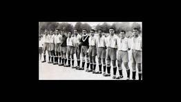 Formaci�n del Portuarios de Ferrol, uno de los clubes hist�ricos del f�tbol modesto de la ciudad, con sede en el barrio de Ferrol Vello, que destaca como cantera de numerosos jugadores de la comarca FOT�GRAFO: Jos� Godos