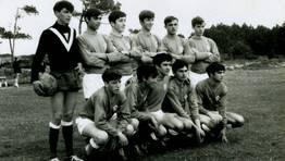 Formaci�n del equipo de f�tbol de Mandi� en 1966. En la imagen, Juan, Pepe, Tino, Pepi�o, Jos� Antonio, Miguel, To�o, Suso, Alberto, �ngel y Luis FOT�GRAFO: Alejandro Bello