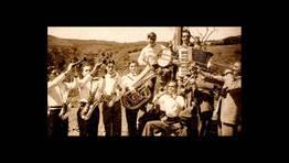 Ram�n y Antonio Sordo con su orquesta en 1948 FOT�GRAFO: Montse Sordo