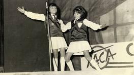 El d�o Twist, compuesto por Merchy y Ana, en una actuaci�n del concurso �Camino a la fama� en 1960 FOT�GRAFO: Merchy Rivas