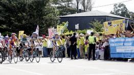 La Vuelta, a su paso por San Cosme. FOT�GRAFO: MIGUEL EST�VEZ