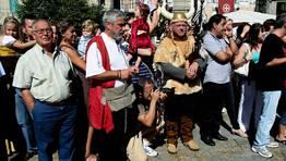 Son pocos los que acuden a la Feira sin vestido tradicional FOT�GRAFO: CAPOTILLO