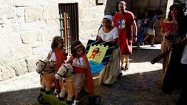 La Feira Franca es, sobre todo,  una fiesta de las familias FOT�GRAFO: CAPOTILLO