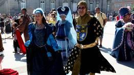 En la Feira se vieron elaborad�simos vestidos FOT�GRAFO: CAPOTILLO