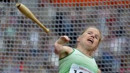 Catherine O´Neill, de Irlanda, realizando  su lanzamiento. FOTÓGRAFO: TOBY MELVILLE | REUTERS