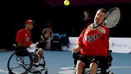 David Wagner y Nicholas Taylor, de Estados unidos, durante la final de tenis en dobles. FOTÓGRAFO: LUKE MACGREGOR | Reuters