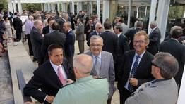 Garc�a de Loza, Manuel Mart�n, Ram�n Pi�a, Jos� Manuel Ferreiro y Jes�s del R�o, antes de entrar al comedor del pazo de Vilar de Francos FOT�GRAFO: ANA GARCIA