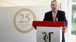 Santiago Rey Fern�ndez-Latorre habl� a los invitados al acto conmemorativo del 25 aniversario de La Voz en Carballo FOT�GRAFO: JOSE MANUEL CASAL