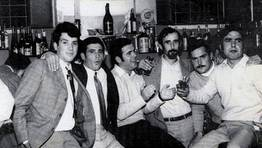 Grupo de amigos nun baile no Casino de Redes en 1972. Peinado, Col�n, Lu�s de Lerucha, Lu�s de Lucita, Fernando e Seraf�n FOT�GRAFO: Lu�s R. Castro