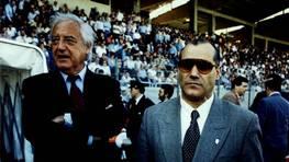 Ramón Mendoza, en una visita a Santiago del Real Madrid (año 1995), custodiado por Caneda. FOTÓGRAFO: XOAN A. SOLER