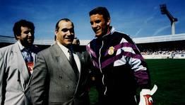El expresidente de la SD Compostela con el betanceiro Paco Buyo, exportero del Real Madrid. FOT�GRAFO: MERCE ARES