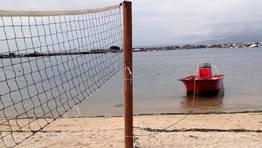 Curioso punto de amarre en la playa de San Tom� FOT�GRAFO: MARTINA MISER