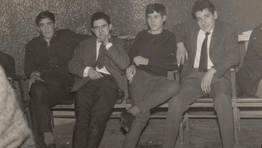 Grupo de amigos en la sala de fiestas Floreal de Cedeira, en la noche de fin de a�o de 1966 FOT�GRAFO: Xanel