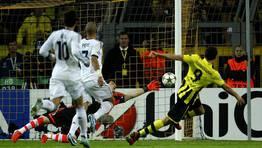 Previamente, Casillas hab�a sacado una mano milagrosa. FOT�GRAFO: INA FASSBENDER | REUTERS