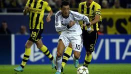 �zil, autor de la asistencia del gol de Ronaldo. FOT�GRAFO: INA FASSBENDER | REUTERS