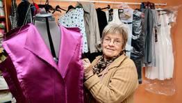 Marina Moug�n lleva 48 a�os trabajando como costurera, confeccionando trajes tanto para hombres como para mujeres FOT�GRAFO: MARTINA MISER