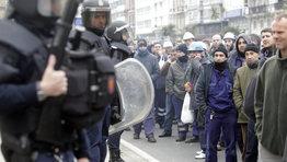 Trabajadores del Naval de Ferrol realizaron una marcha a pie hasta A Coru�a para reclamar m�s carga de trabajo para el sector naval ya que atraviesa una de las �peores crisis de su historia�. FOT�GRAFO: Gustavo Rivas
