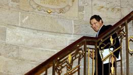 El 16 de abril, Gerardo Conde Roa dimite como alcalde de Santiago tras ser imputado por fraude fiscal. «Santiago no merece un alcalde en mi situación», dijo al abandonar el cargo. FOTÓGRAFO: Álvaro Ballesteros