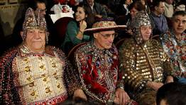 Adem�s de los de Miliki y Merkel, entre el p�blico tambi�n se colaron otros disfraces variopintos. �Fin del mundo maya? FOT�GRAFO: J.J.Guillen | Efe