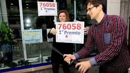 La administraci�n de Loter�a Alexandra vendi� por m�quina dos d�cimos del 76.058 FOT�GRAFO: ANA GARCIA
