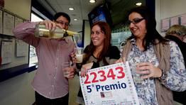 El champ�n corri� entre los loteros de la administraci�n de O Burgo. FOT�GRAFO: EDUARDO PEREZ