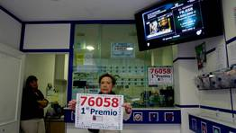 La lotera en un comienzo pens� que era un error, ya que vendi� el n�mero por terminal. FOT�GRAFO: EDUARDO PEREZ