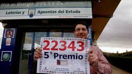En O Burgo, cay� un quinto premio, el n�mero 22.343 ha dejado alrededor de 1,6 millones de euros de un quinto premio de la Loter�a de Navidad. FOT�GRAFO: EDUARDO PEREZ