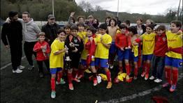 Im�genes de felicidad entre los jugadores del Portazgo S.D. FOT�GRAFO: GUSTAVO RIVAS