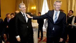 En su nuevo Gobierno, Alberto Núñez Feijoo elevó a Alfonso Rueda (derecha) a vicepresidente y nombró a Francisco Conde (izquierda) como conselleiro de Economía en sustitución de Javier Guerra. Los demás conselleiros mantienen el cargo de la anterior legislatura. FOTÓGRAFO: SANDRA ALONSO
