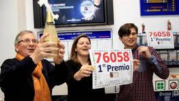 La Lotería de Navidad dejó en Galicia 13 millones en premios y 15 en devoluciones y pedreas. FOTÓGRAFO: ANA GARCIA