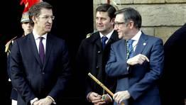 Ceremonia de traslaci�n de los restos del Ap�stol. Feijoo, Ju�rez, delegado del Gobierno en Galicia, y Curr�s, alcalde de Santiago de Compostela. FOT�GRAFO: SANDRA ALONSO