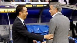 Saludo a Mourinho en el Bernab�u. FOT�GRAFO: benito ordo�ez