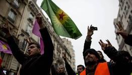 Una de las v�ctimas, de 32 a�os, trabajaba en el centro cultural kurdo y que las otras dos estaban de paso en la ciudad y eran activistas pol�ticas. FOT�GRAFO: IAN LANGSDON | EFE