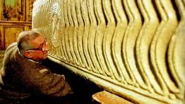 El sarcófago del Code Santo, en la iglesia de Lourenzá, dende la leyenda manda introducir el dedo de la mano en su interior FOTÓGRAFO: XAIME RAMALLAL