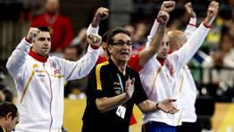 Valero Rivera anima a sus jugadores. FOTÓGRAFO: MARKO DJURICA | Reuters