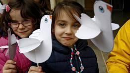 Los niños gallegos celebran el día de la Paz. FOTÓGRAFO: Miguel Villar
