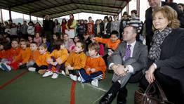 El conselleiro de Educación, Jesús Vázquez, asistió a uno de los actos celebrados en un colegio ourensano. FOTÓGRAFO: Miguel Villar