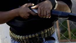 Un mimebro de una patrulla vecinal de seguridad en un estado de M�xico. FOT�GRAFO: HENRY ROMERO   REUTERS