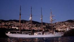 El «Juan Sebastián de Elcano» alcanza el ecuador de su crucero piloto de instrucción FOTÓGRAFO: Armada
