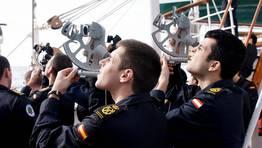 Observaciones con sextante FOTÓGRAFO: Armada