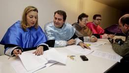 El jurado, durante la deliberaci�n FOT�GRAFO: PACO RODR�GUEZ