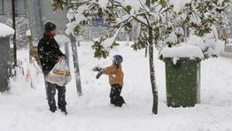 Los peque�os de la zona de la monta�a disfrutaron de la nevada FOT�GRAFO: PRADERO