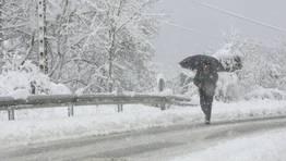 La Xunta mantiene cortadas seis carreteras al tr�fico pesado en la provincia de Lugo FOT�GRAFO: PRADERO
