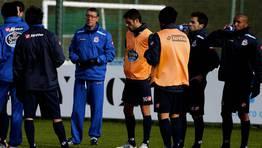 Franganillo, con los jugadores en el entrenamiento. FOTÓGRAFO: M. MARRAS