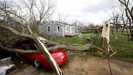 Los tornados en EE.UU. dejaron al menos 27 muertos y numerosos heridos MDF0302235510