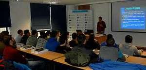 Bomberos de Lugo participan en un curso formativo en A Estrada.