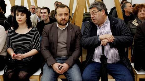 Rafa Cui�a asisti� ayer en Santiago a los actos de celebraci�n del 20 aniversario de Esquerda Nacionalista SANDRA ALONSO